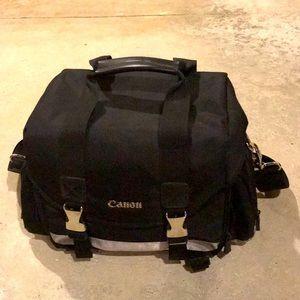 Canon 200DG Deluxe camera bag